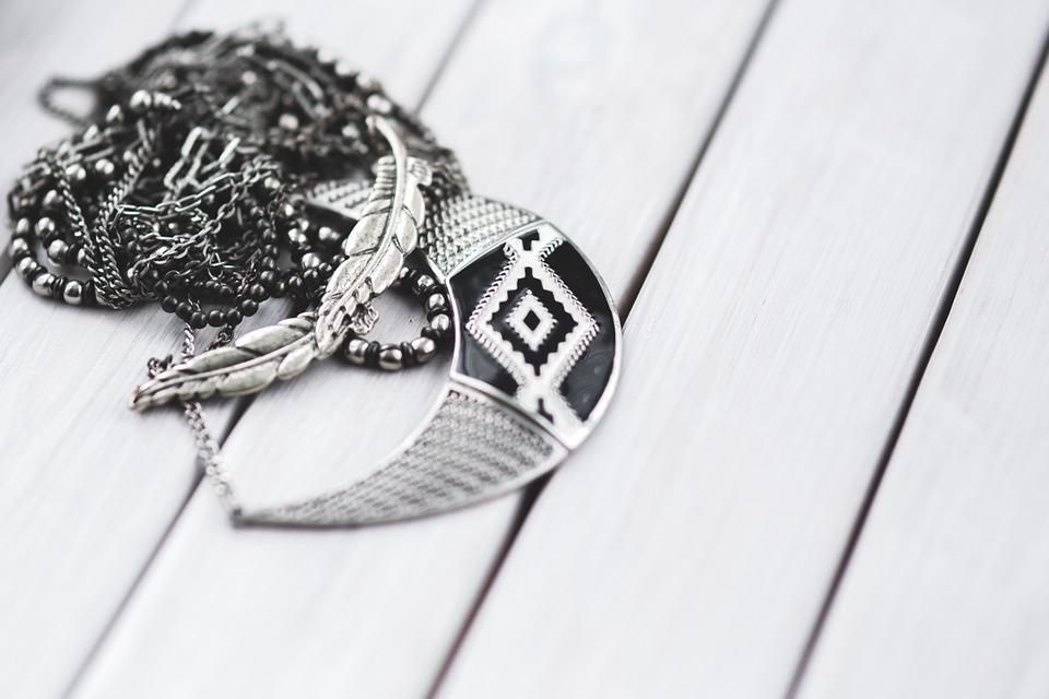 jewellery-791073_960_720