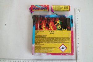 """Blitzknallkörper """"Crazy Robots"""" der Fa. Triplex in der kleinsten Verpackungseinheit  Foto: LKA Berlin ©"""